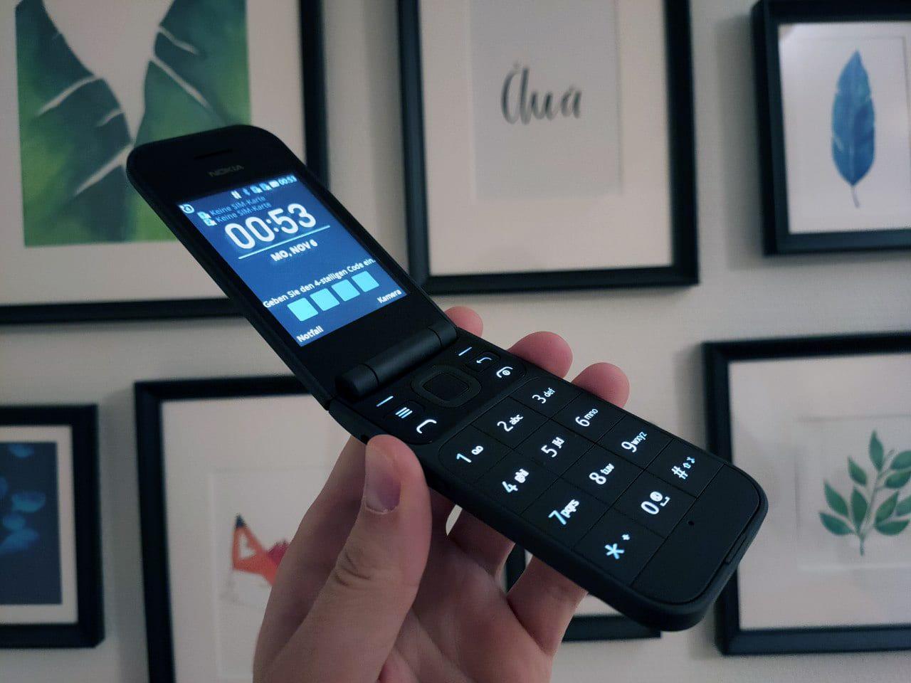 Nokia 7220 Flip Handy aufgeklappt Test/Review