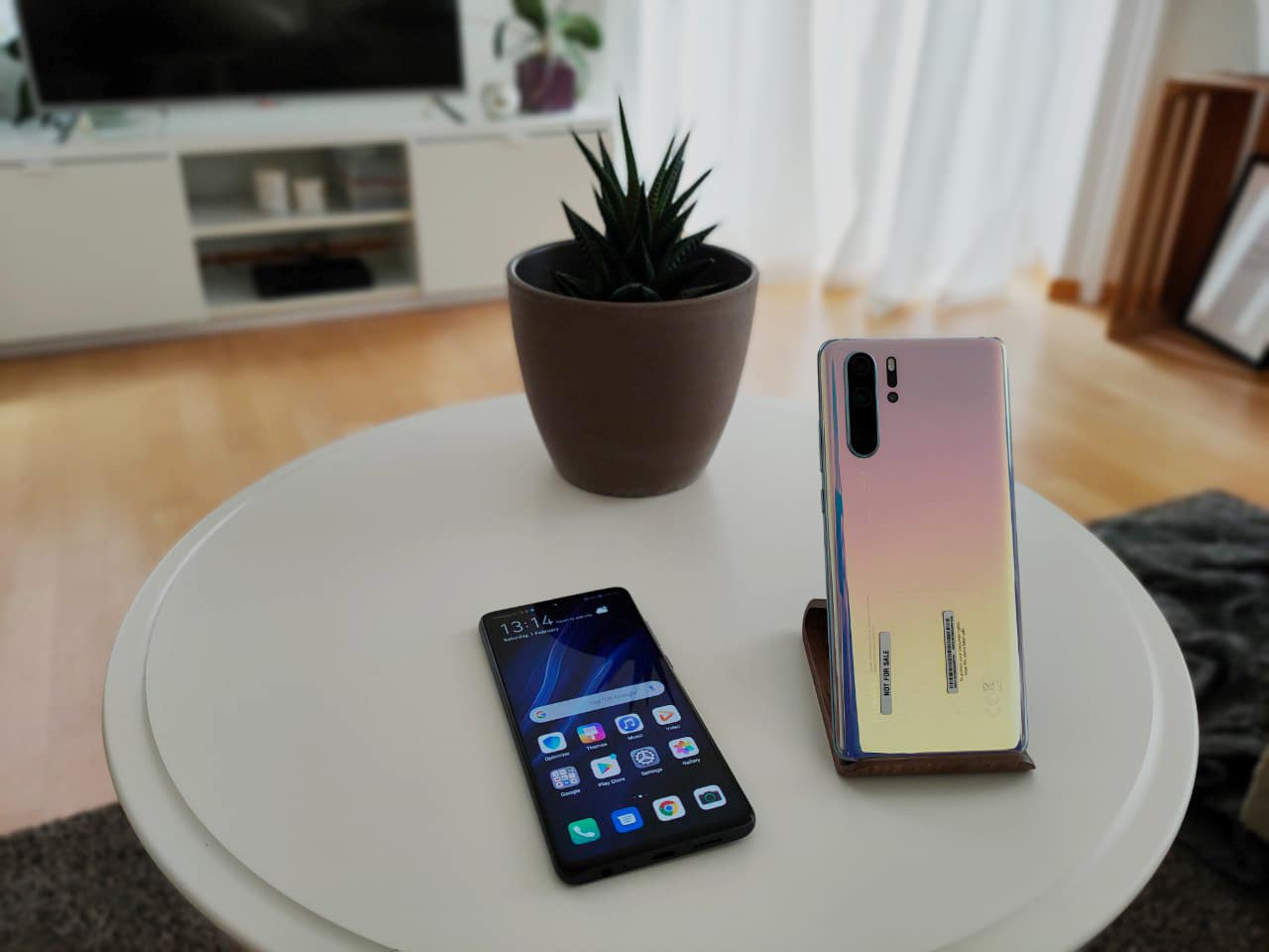 Huawei smartphones P30 Pro and P30