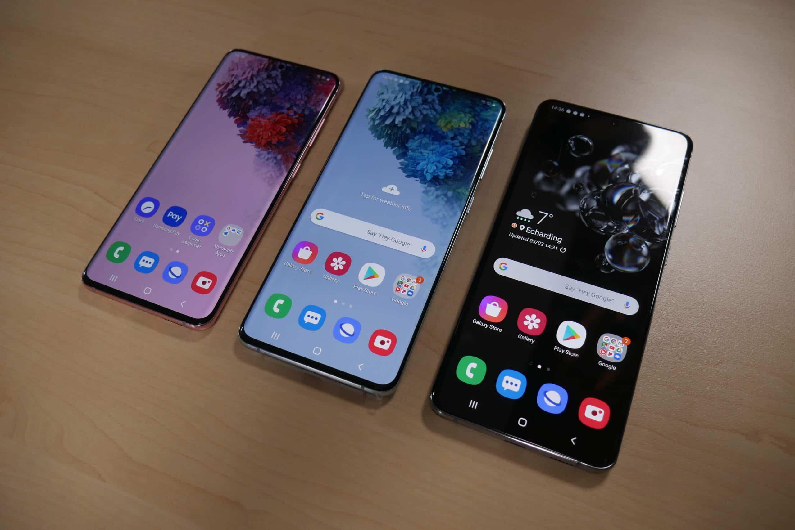 Alle drei Samsung Galaxy S20 von vorne Display