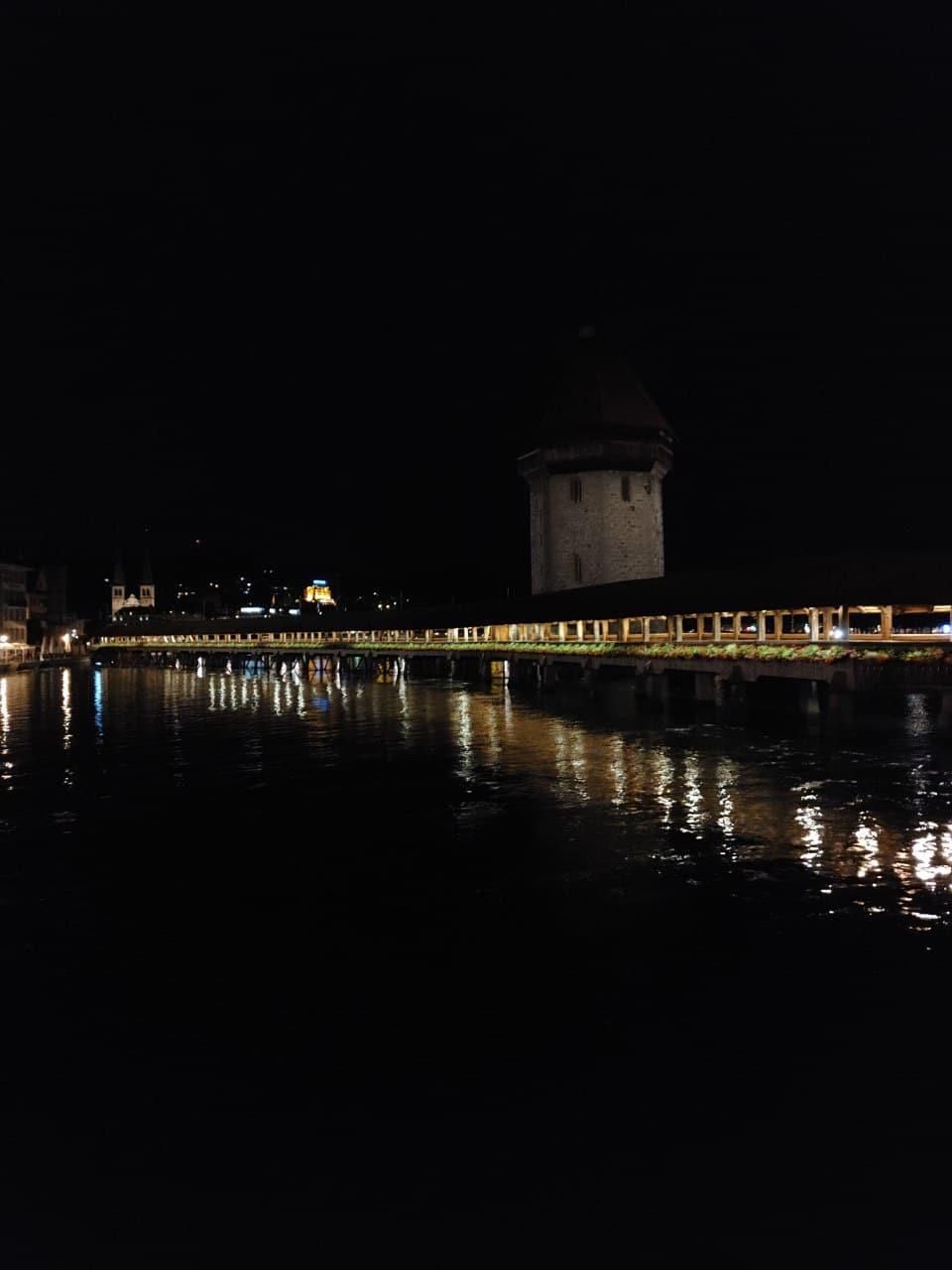 LG Vevlet Nachtaufnahme Kappelbrücke ohne Nachtmodus